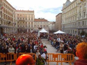 Piazza Vittorio Veneto 08 maggio 2011